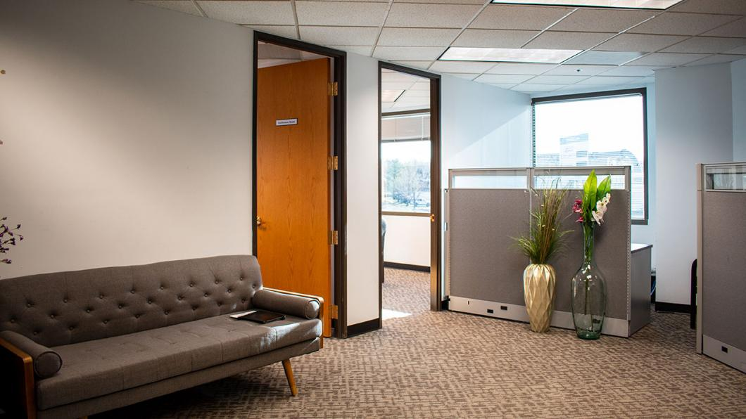 8700 Turnpike Drive - Suite 318